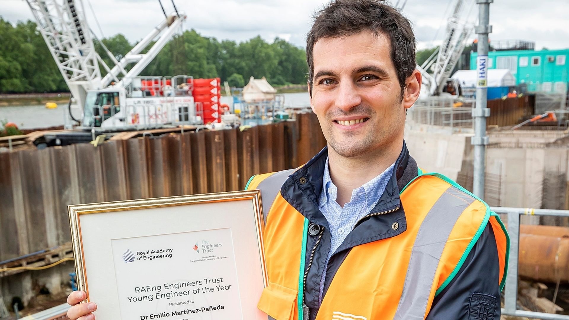 El asturiano Emilio Martínez-Pañeda, mejor ingeniero joven del año del Reino Unido