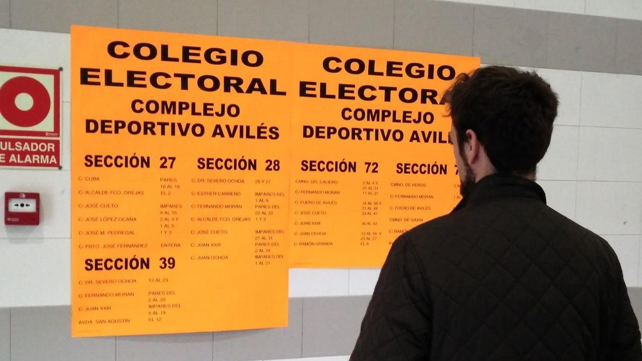 Ángela Vallina vota el 26M