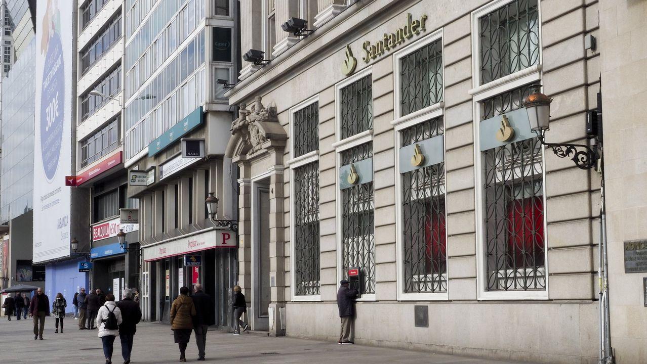 Banco Popular y Banco Santander en A Coruña