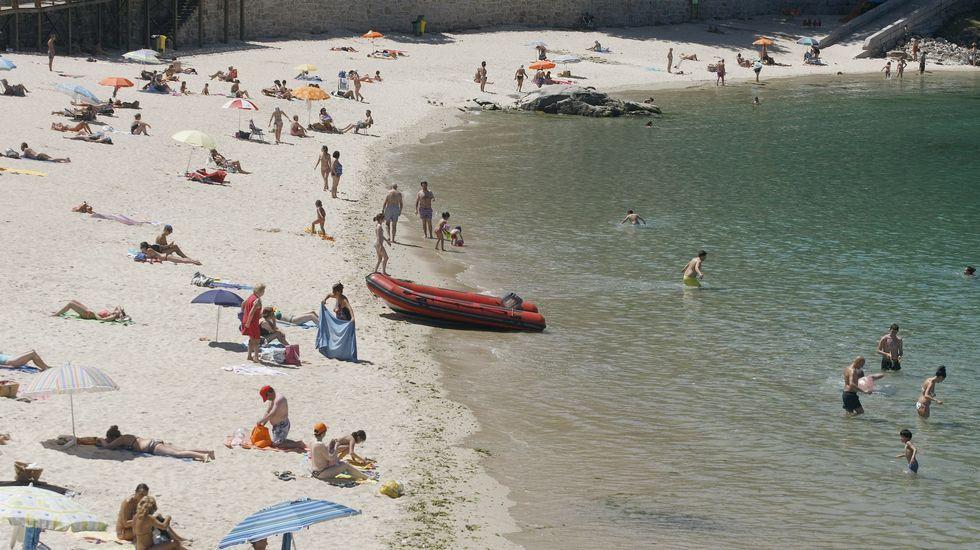 Playa de Retorta, en Boiro.Playa de Portocelo,en Marín