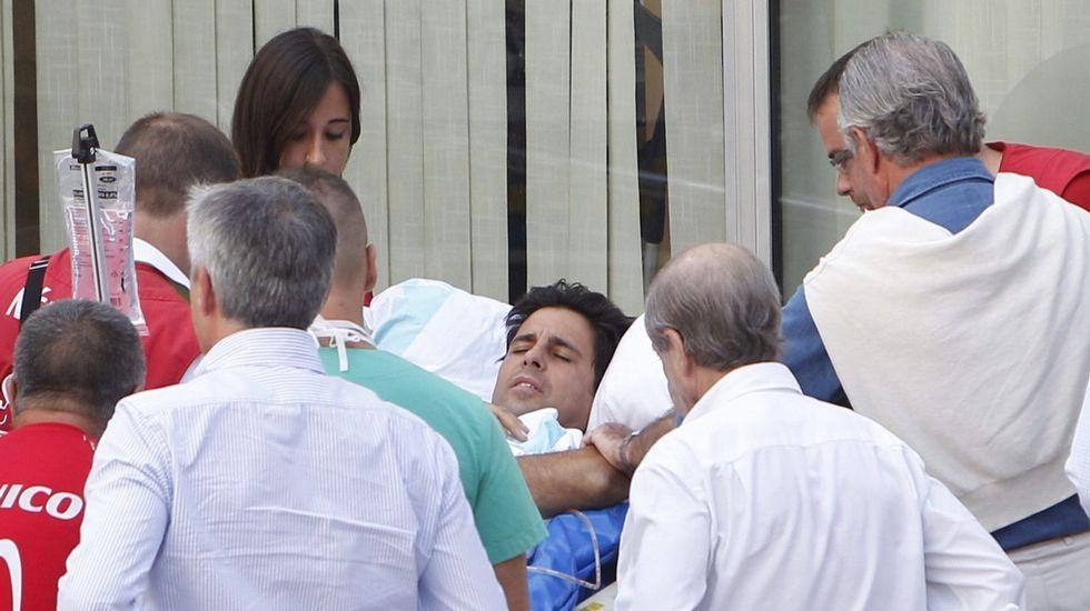 Triunfal corrida.Lourdes Montes, esposa del torero, visitando este jueves a su marido en el hospital