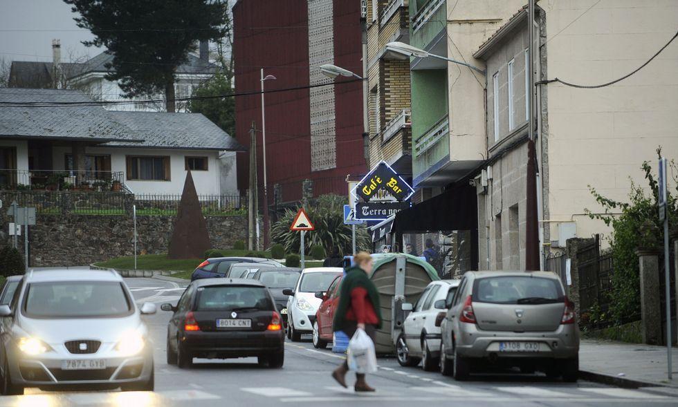 El nuevo tramo de zona azul se sitúa frente al instituto Laxeiro, entre el 68 y 80 de la avenida.