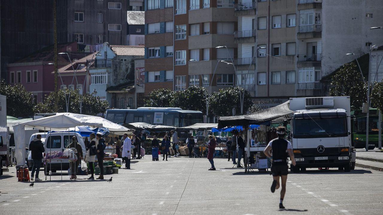 ¿A qué playa ir sin pensar en el coronavirus?.Representantes de la plataforma presentaron el proyecto alternativo de la circunvalación en el Ateneo Valle-Inclán del bar Plaza