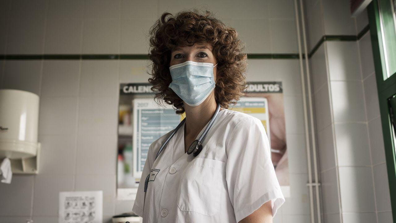 Laura Lozano trabaja en el centro de salud de Avión