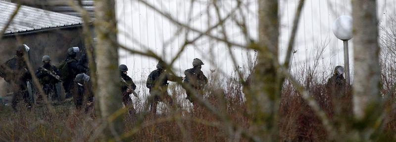 Despliegue policial sin precedentes en Dammartin-en-Goële.La vista contra los seis acusados comenzó ayer en la Audiencia Nacional.
