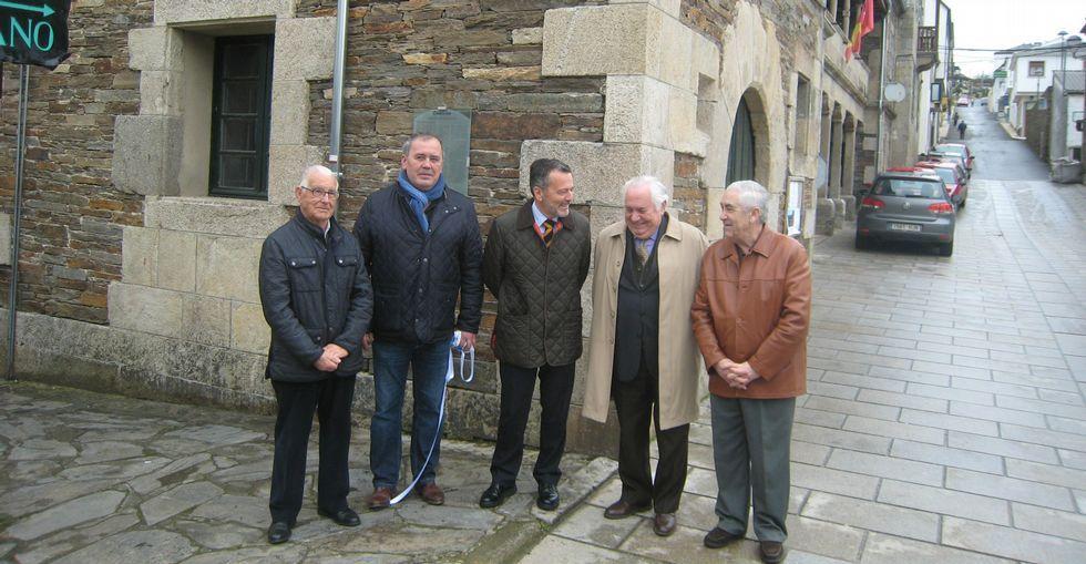La cita reunió a cuatro de los últimos seis alcaldes de Portomarín y al de Santiago.
