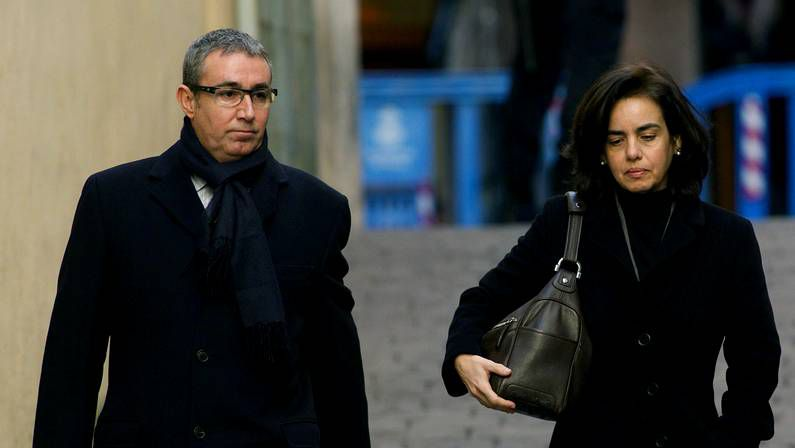 Torres y su esposa entrando en los juzgados de Palma