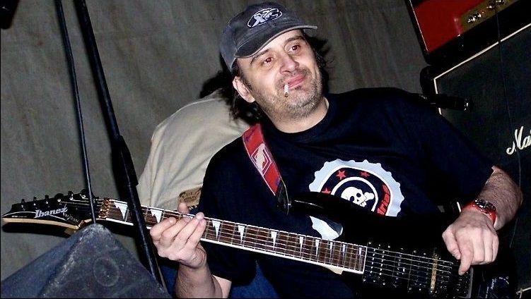 Daniel Ullán fue guitarrista de Mitocondrias