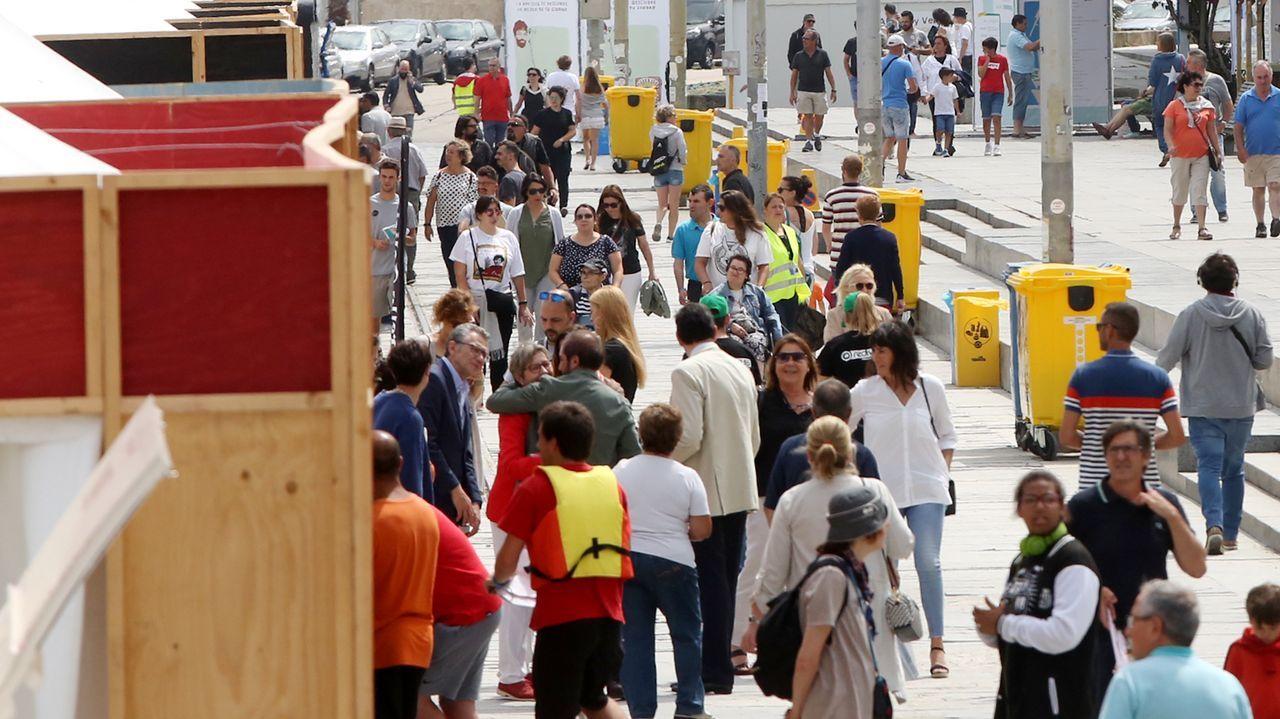 El Seafestambienta el arranque de las vacaciones en Vigo.Acto de presentación del Atlantic Fest, este lunes en A Illa