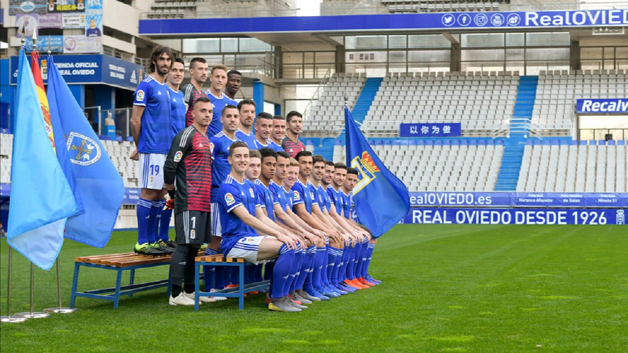 Real Oviedo foto oficial Carlos Tartiere.Foto oficial de la plantilla del Real Oviedo para esta temporada
