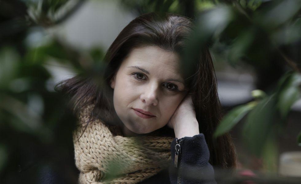 Isabel Naveira, Raquel en la serie de Voz Audiovisual «Serramoura», está a punto de cumplir los 40 y tiene un hijo de tres años.