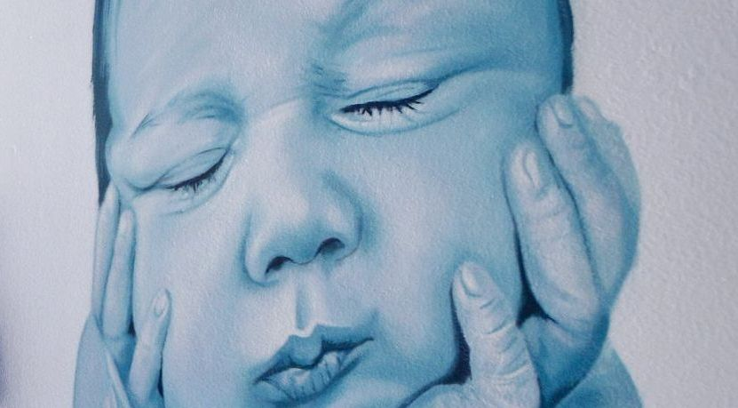 Obra de Mon Devane en el área materno-infantil del CHUO