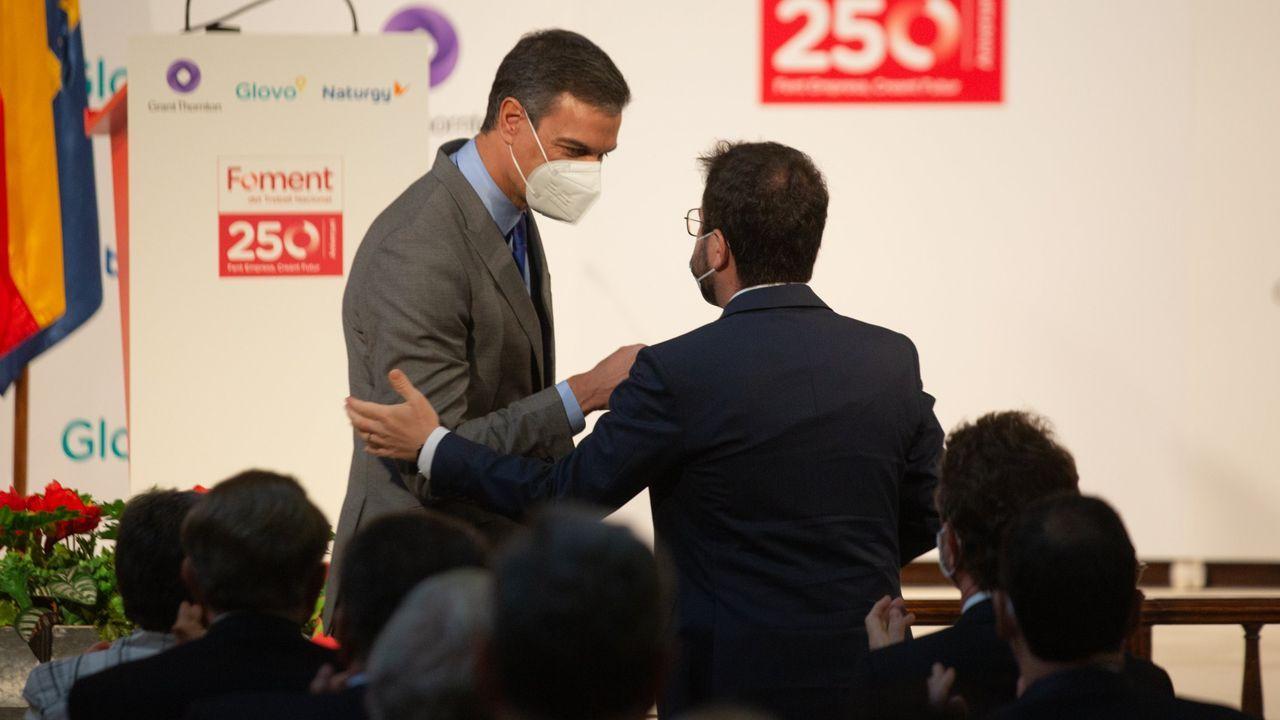 Sánchez y Aragonès se saludan el 7 de junio en Barcelona