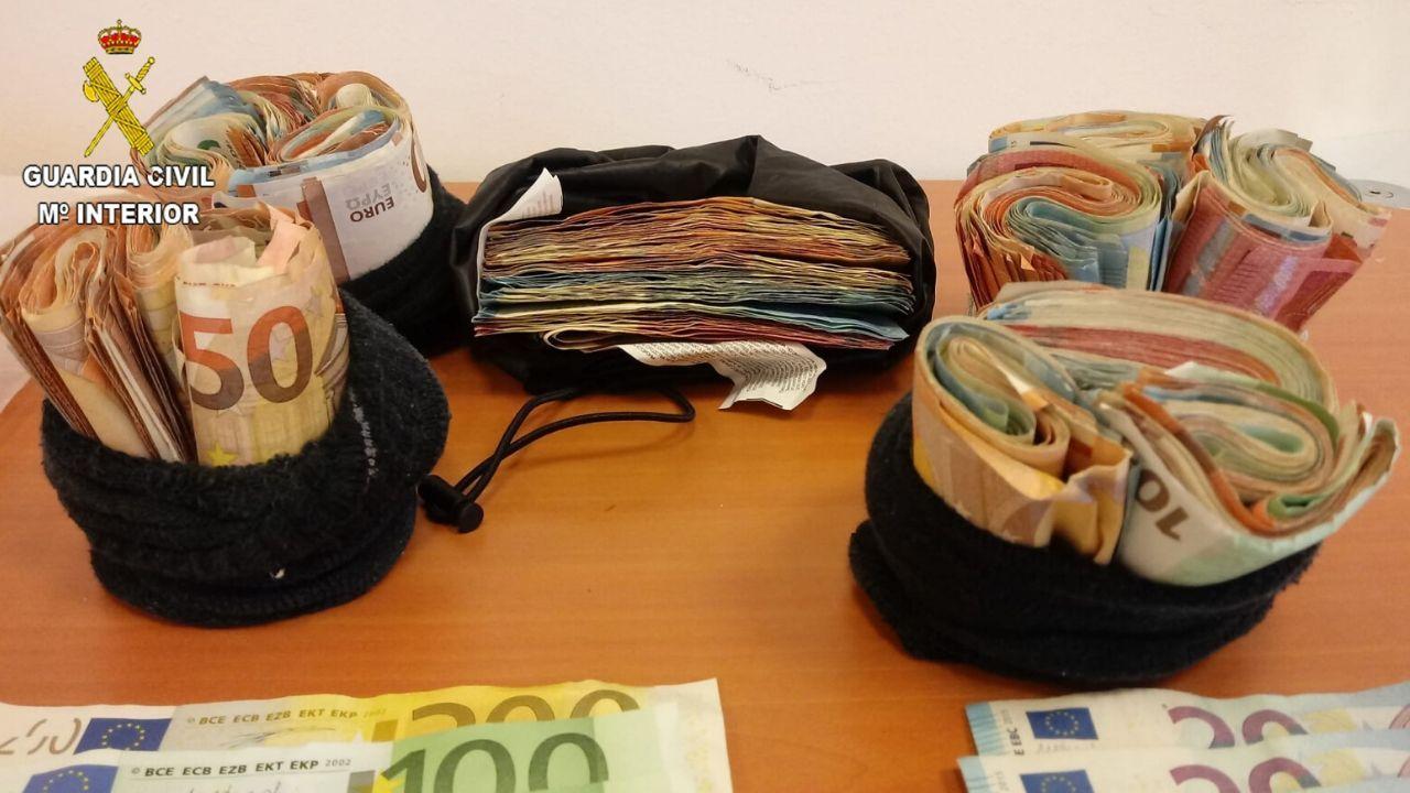 La Guardia Civil intervino 24.000 euros en metálico
