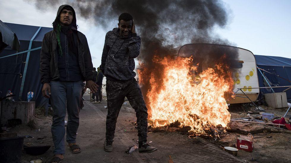 La jungla de Calais, en llamas