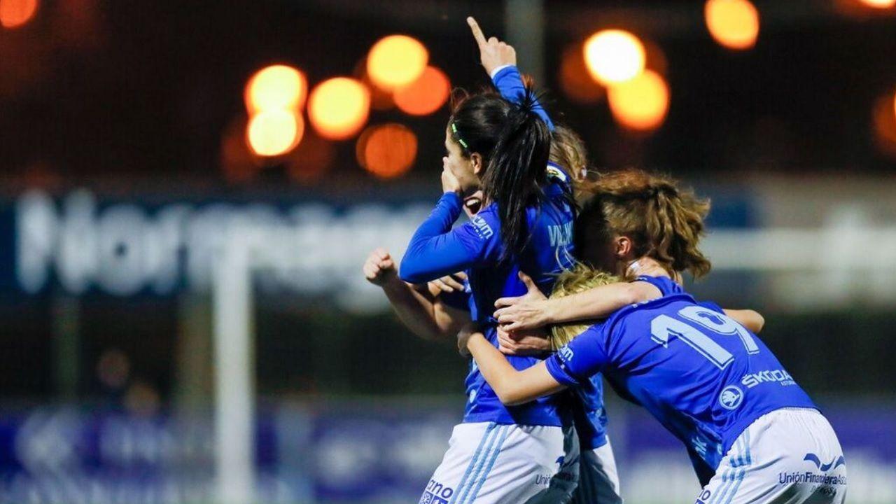 gol Villamayor Real Oviedo Femenino Barcelona .Las futbolistas azules celebran uno de los goles ante el Barça B