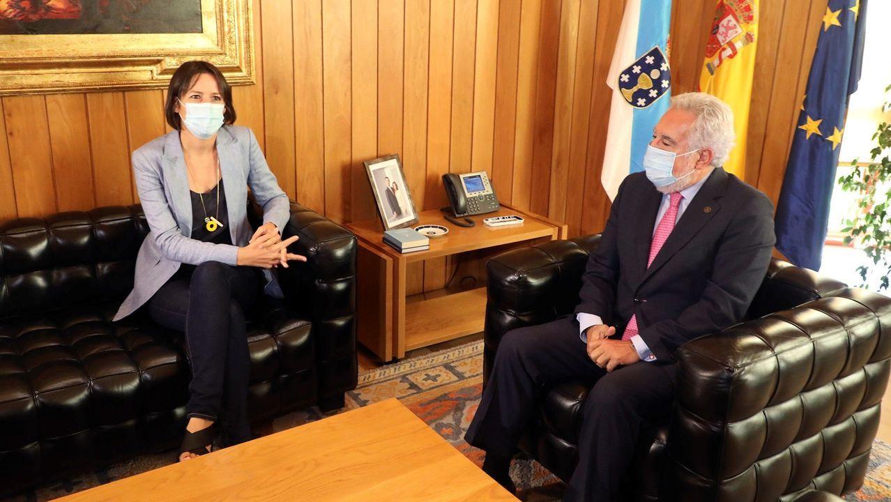 Reunión entre Ana Pontón, del BNG, y el presidente del Parlamento de Galicia, Miguel Santalices