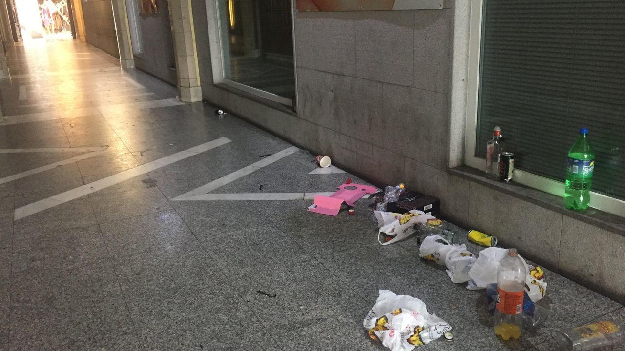 Ourense contra la violencia machista.Policías y militares llegaron a Senkata para acabar con el bloqueo de la planta de hidrocarburos