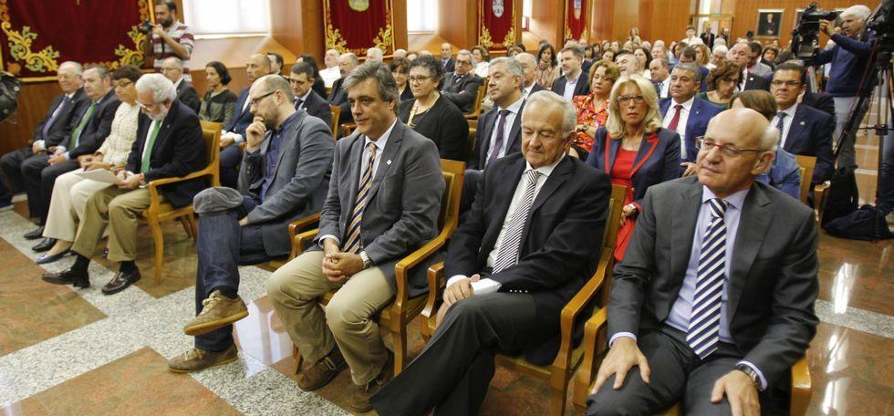 Cuatro generaciones de funcionarios.Juan Caamaño