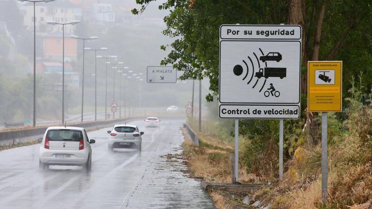 La semana pasada se instaló una nueva señal informando de los controles de velocidad, al lado de la que ya había en el Acceso Norte