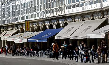 Imagen de las terrazas de la Marina, que tendrán que armonizar su estética.