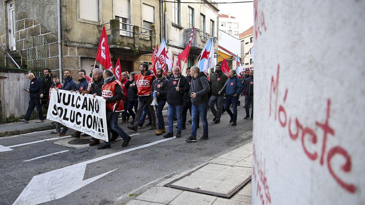 Manifestación de trabajadores de Vulcanohasta la sede de la Xunta.Los trabajadores de Vulcano en una protesta a finales de enero