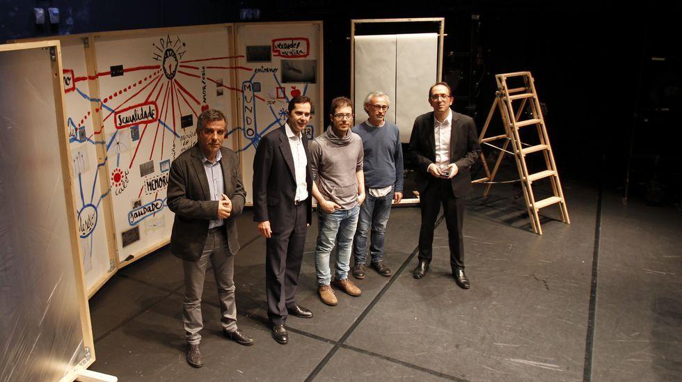 El secretario xeral de Cultura, el director de Agadic  yel director del CDG presenta el estreno en Galicia de «Ganas de Ouvear», espectáculo del CDG y otras dos compañías