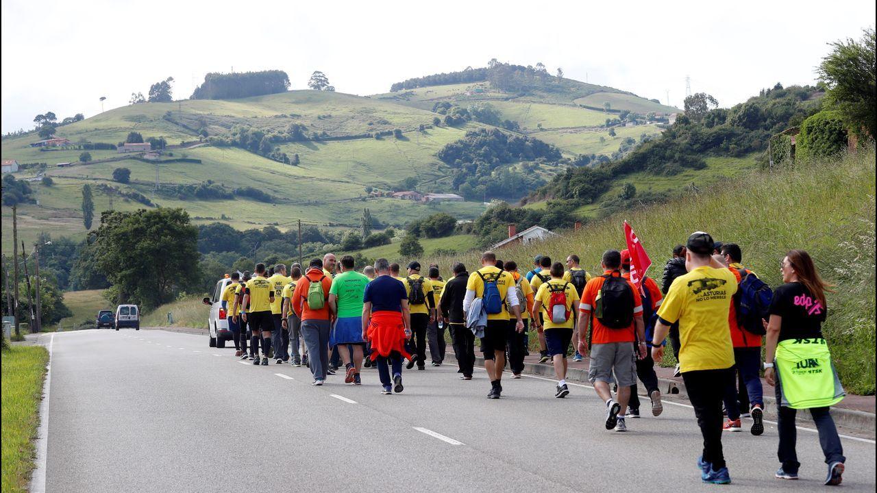 Los trabajadores de Alcoa Avilés inician su marcha a pie hasta Madrid