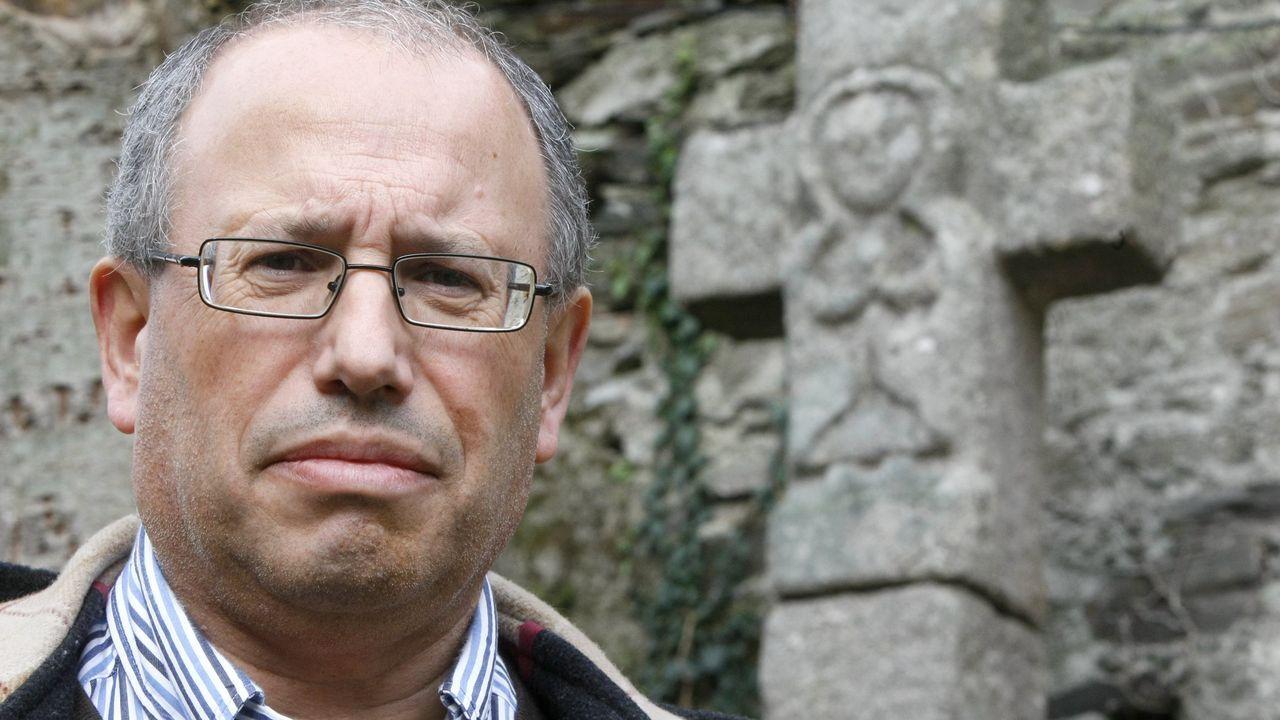 Fernando Arribas ten realizado numerosas investigacións sobre os cruceiros e petos de ánimas