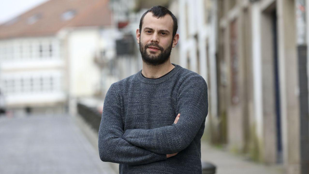 El primer paciente con coronavirus que abandonó entre aplausos la uci del Hospital Álvaro Cunqueiro