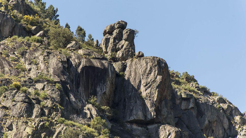 Esta singular formación rocosa es conocida como Tres Bispos