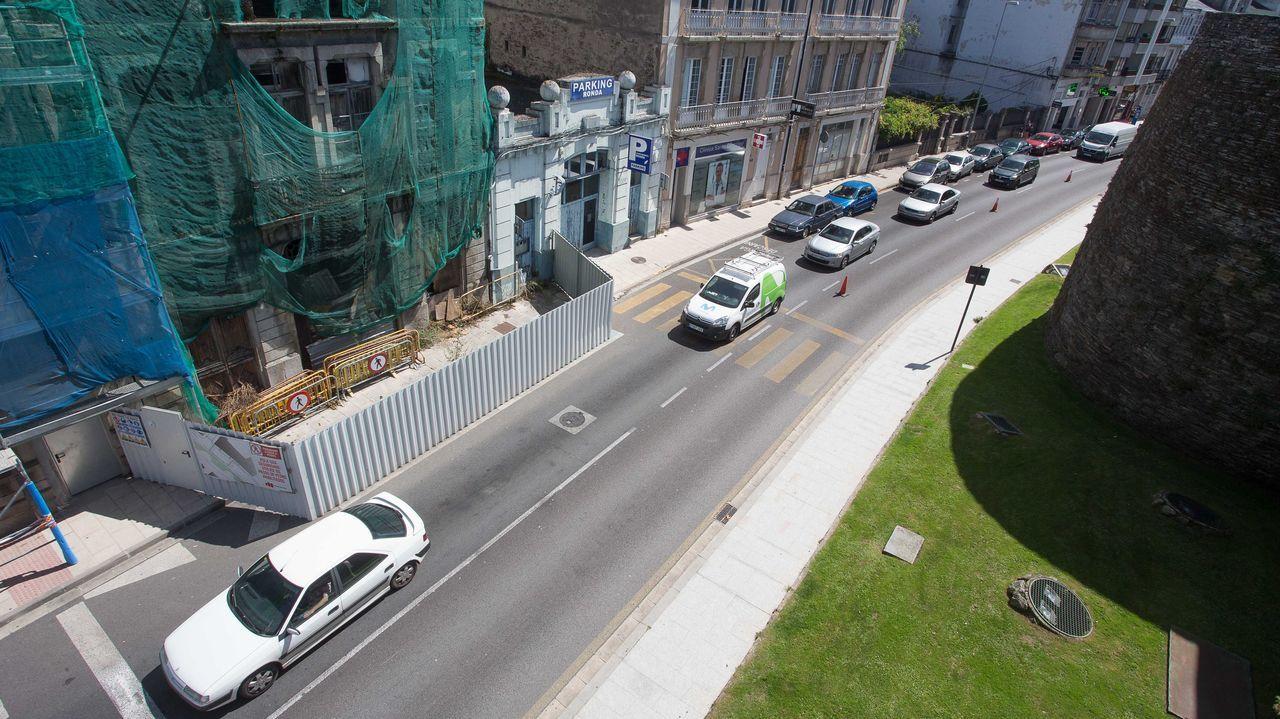 A alcaldesa de Lugo visita as obras de urbanización do colexio Sagrado Corazón