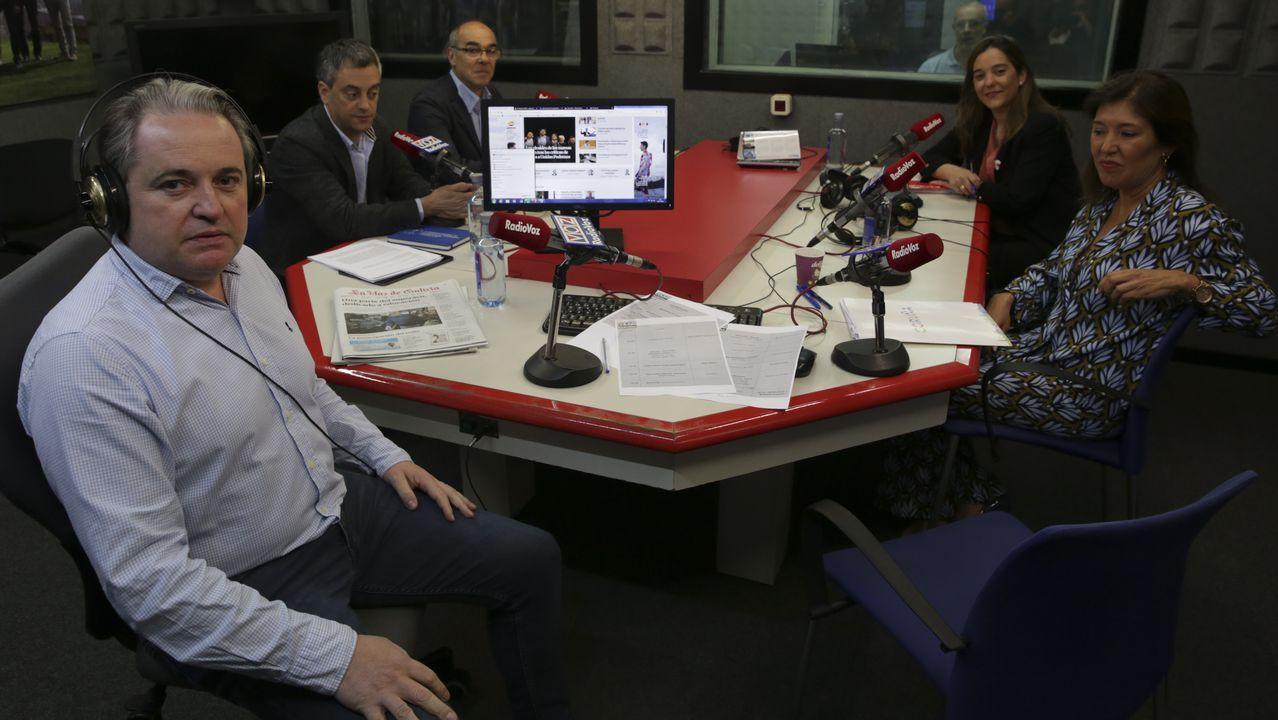 ELECCIONES MUNICIPALES MAYO 2019 DEBATE EN RADIO VOZ  CON LOS CANDIDATOS A LA ALCALDIA DE A CORUÑA XULIO FERREIRO BEATRIZ MATO INES REY