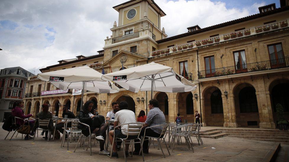 Gascona.Un concierto en un bar de Oviedo