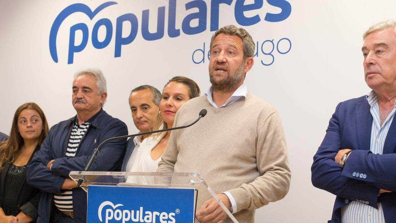 Feijoo, con la ministra María Jesús Montero, en un encuentro celebrado en agosto.