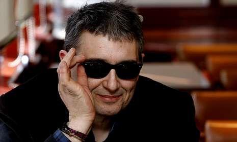 Miguel Costas lleva más de treinta años en la música, desde que empezase en Siniestro Total.