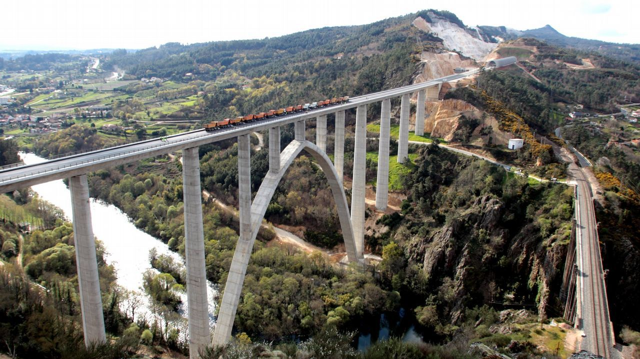 Viaducto del Ulla en el AVE entre Santiago y Ourense