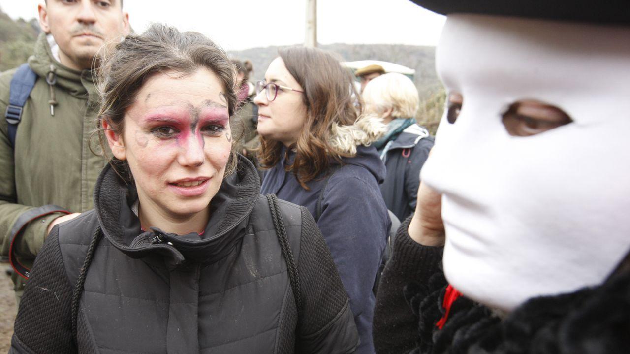 Público y disfraces en la celebración del Domingo Lambedoiro
