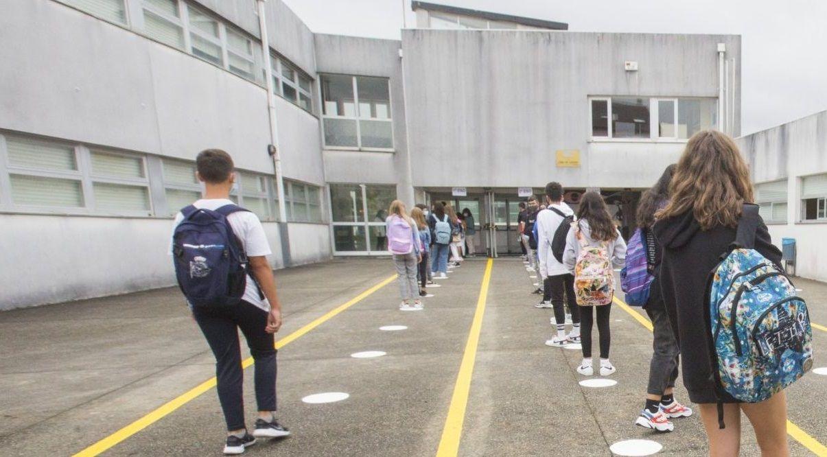 Imagen del primer día de clases en el IES Agra de Leborís