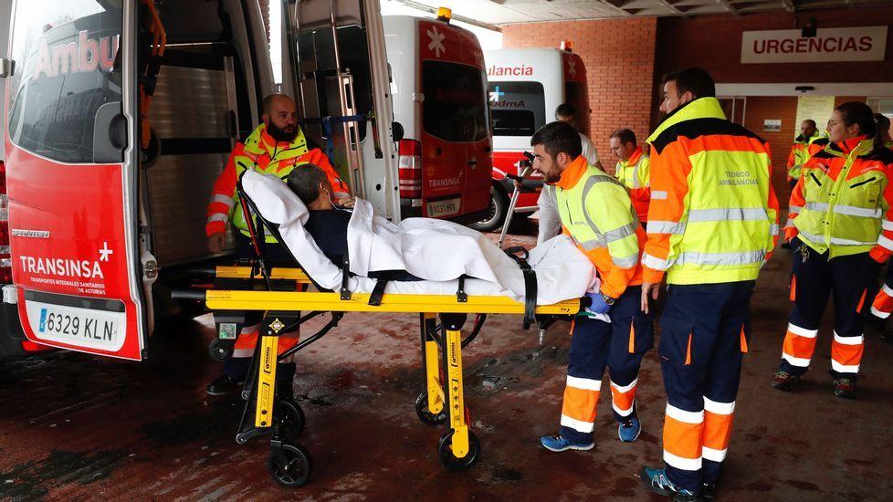 Traslado de un enfermo del hospital de Arriondas