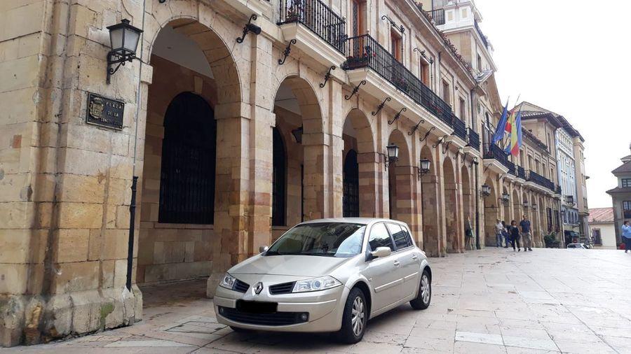 Registran el Ayuntamiento de Oviedo y el cuartel del Rubín en la operación contra el amaño de contratos de semáforos