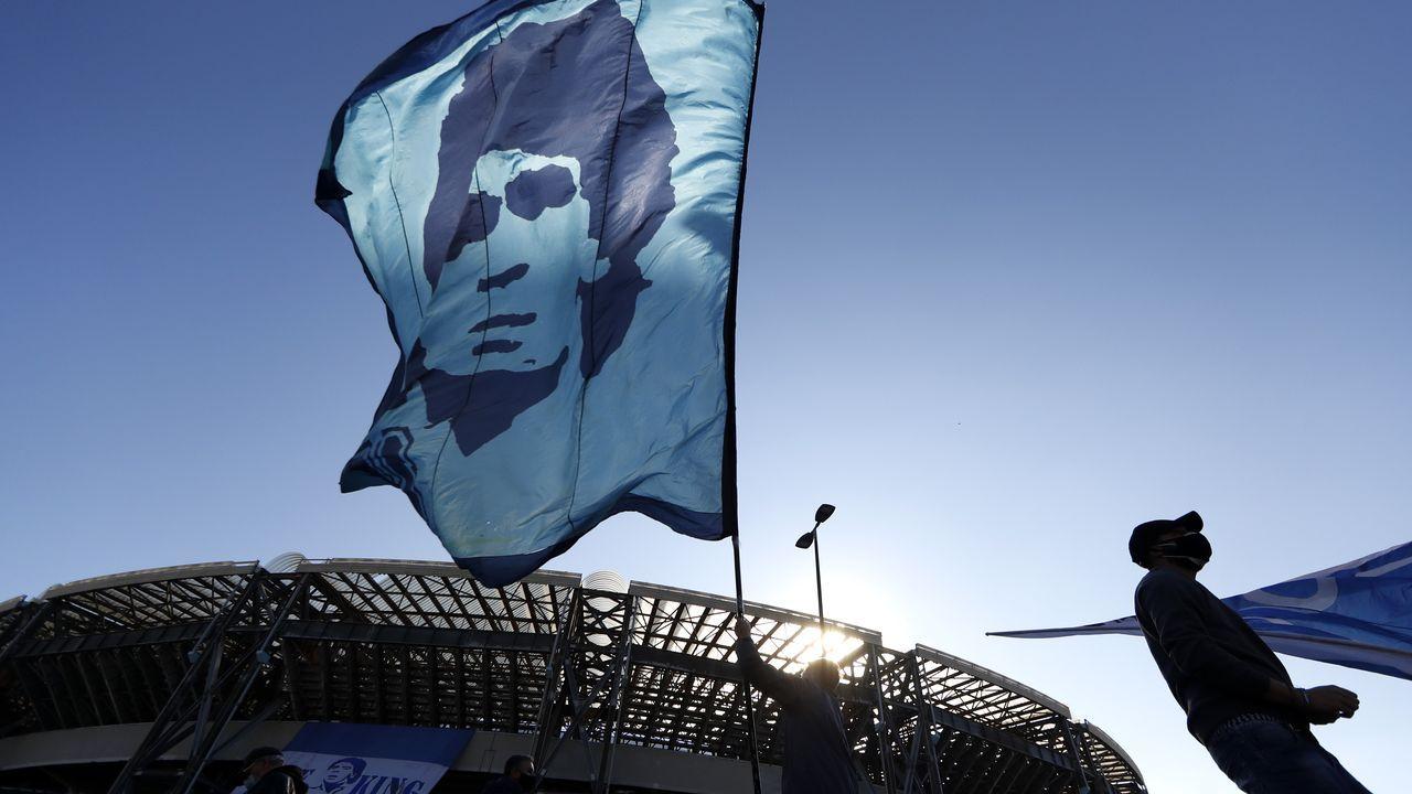 Despedida en Nápoles a Maradona