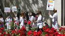 PROTESTA DE FUTUROS RESIDENTES EN MADRID. El Ministerio de Sanidad ha decidido que el acto de elección de plazas de este año no sea presencial, sino que los aprobados en el mir manden un listado de las plazas a las que optan, por orden. Ayer, los futuros residentes se manifestaron en Madrid contra la decisión del ministerio y dijeron que pueden quedar miles de plazas desiertas. cézaro de luca europa press