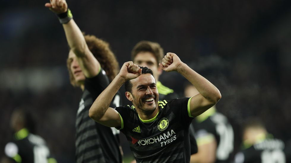 Ranieri: «Pelearemos hasta el final».Carlos de Pena en un encuentro frente al Manchester Utd