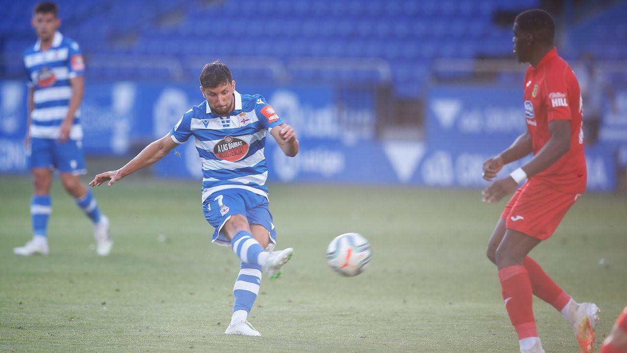Borja Valle, en un partido con el Deportivo