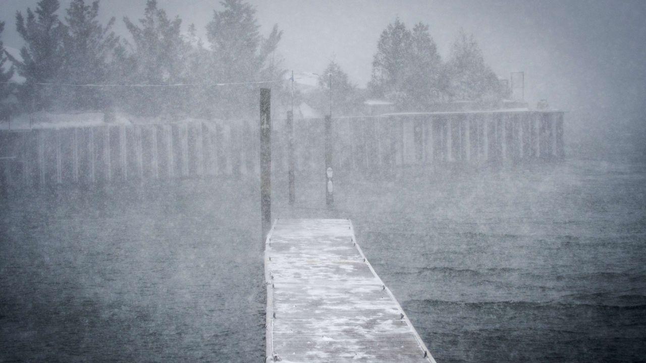 Fuerte nevada en Port Jefferson, Nueva York