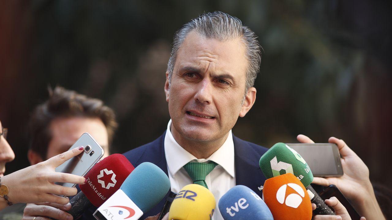 Díaz Ayuso quiere llevar a Madrid el Mobile World Congress de Barcelona.Quim Torra, Ada Colau y Nadia Calviño, el pasado noviembre, en un acto oficial en Barcelona