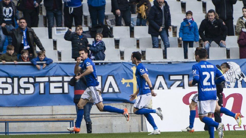 Michu Real Oviedo Nastic Carlos Tartiere.Toché celebra su gol ante el Valladolid