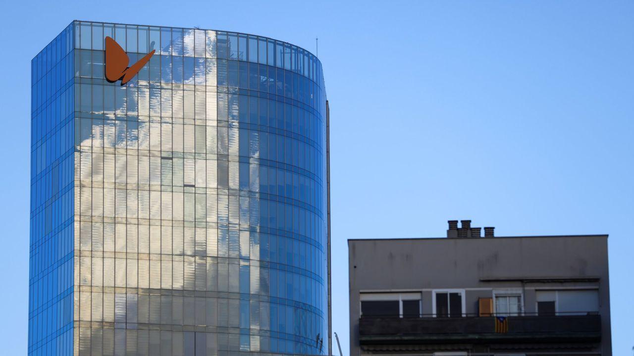 Cuartel general de Naturgy en Barcelona, aunque la sede oficial está en Madrid