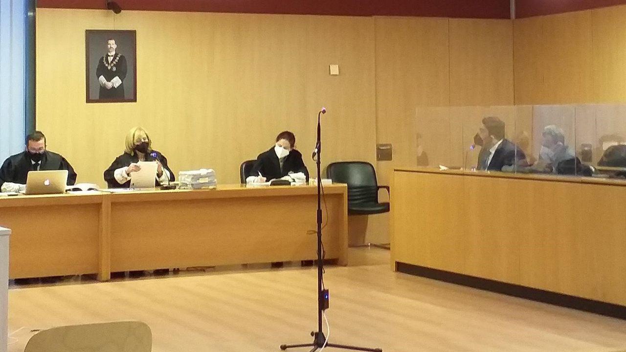 Juicio en la Sección Octava de la Audiencia Provincial de Asturias con sede en Gijón al abogado de apropiarse con el dinero de unos clientes